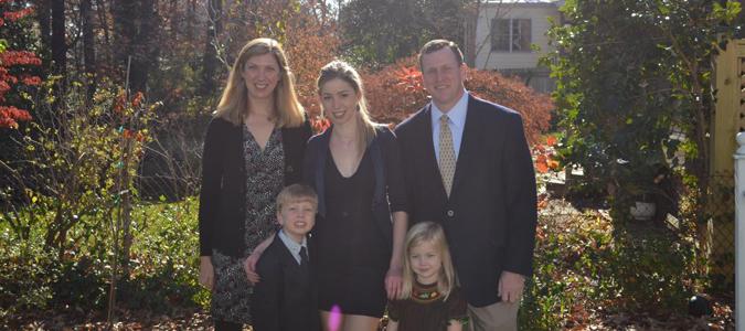 Resultado de imagen de host family usa